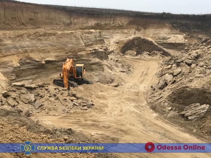 В Одесской области частная фирма наворовала песка на 50 миллионов
