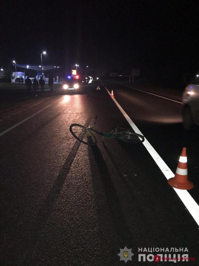 На автодороге Измаил-Одесса полицейский насмерть сбил пешехода