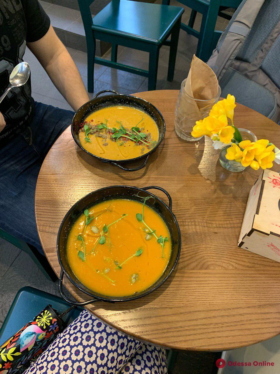 Международный день вегана: где вкусно и полезно поесть в Одессе
