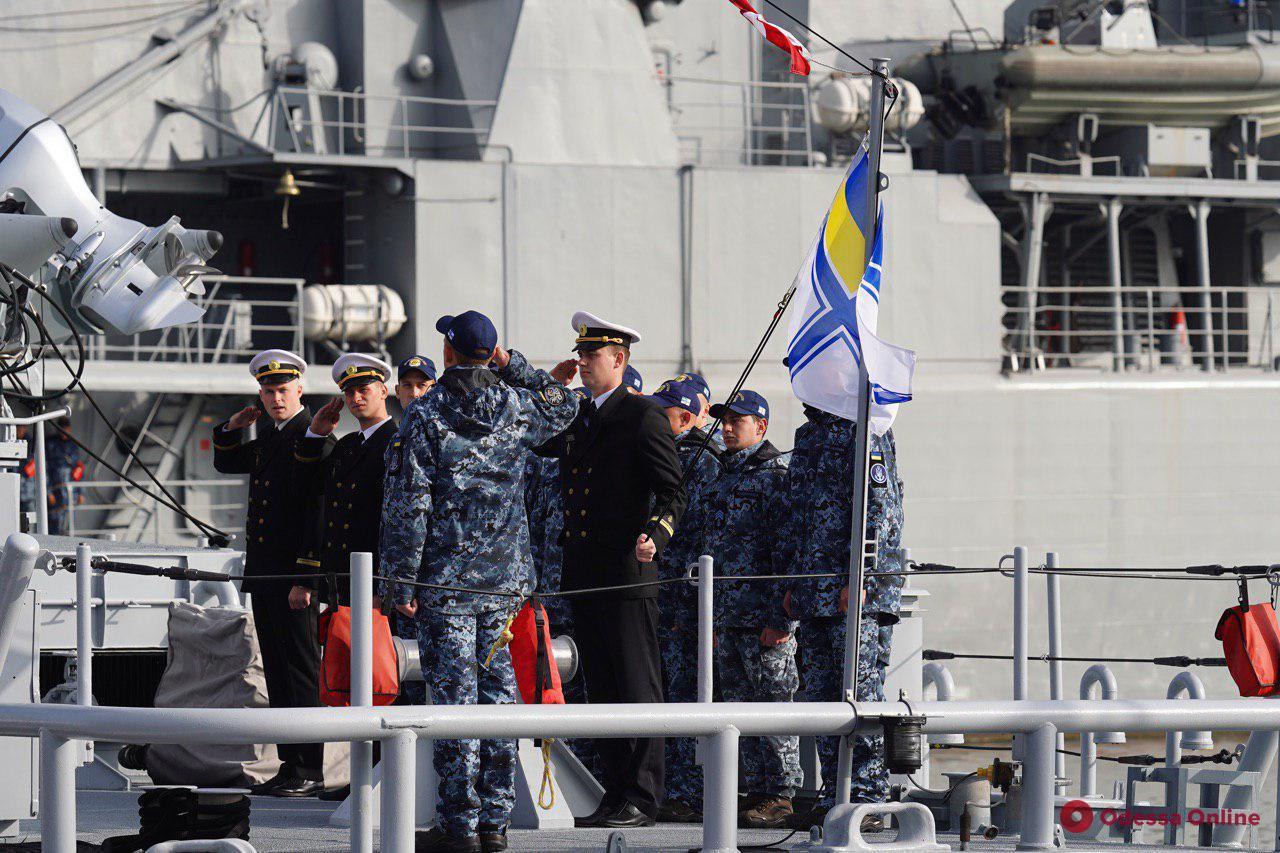 В Одессе американские патрульные катера приняли в ряды ВМС Украины (фото)