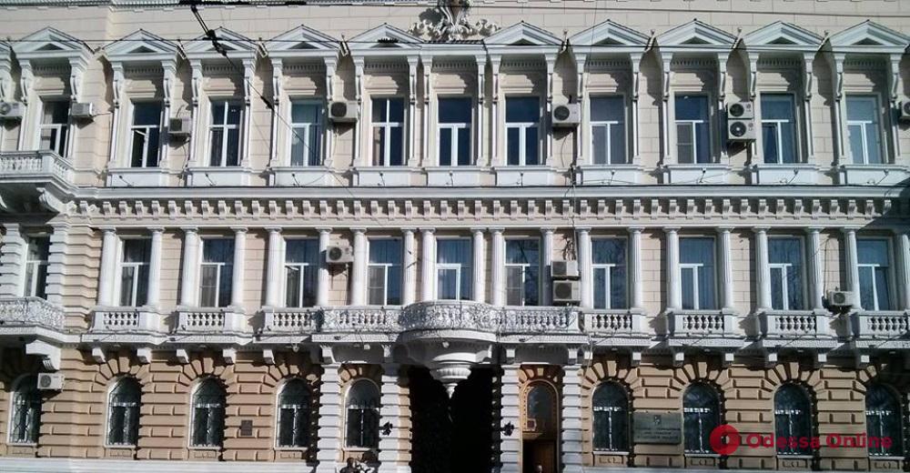 Появилось видео обрушения потолка в Одесском областном управлении полиции