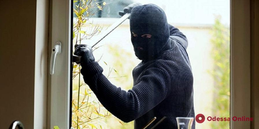 В Одесской области поймали домушников-рецидивистов