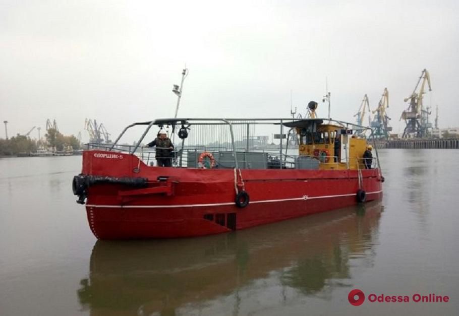 За чистотой акватории Ренийского порта будет следить судно-нефтемусоросборщик (фото)