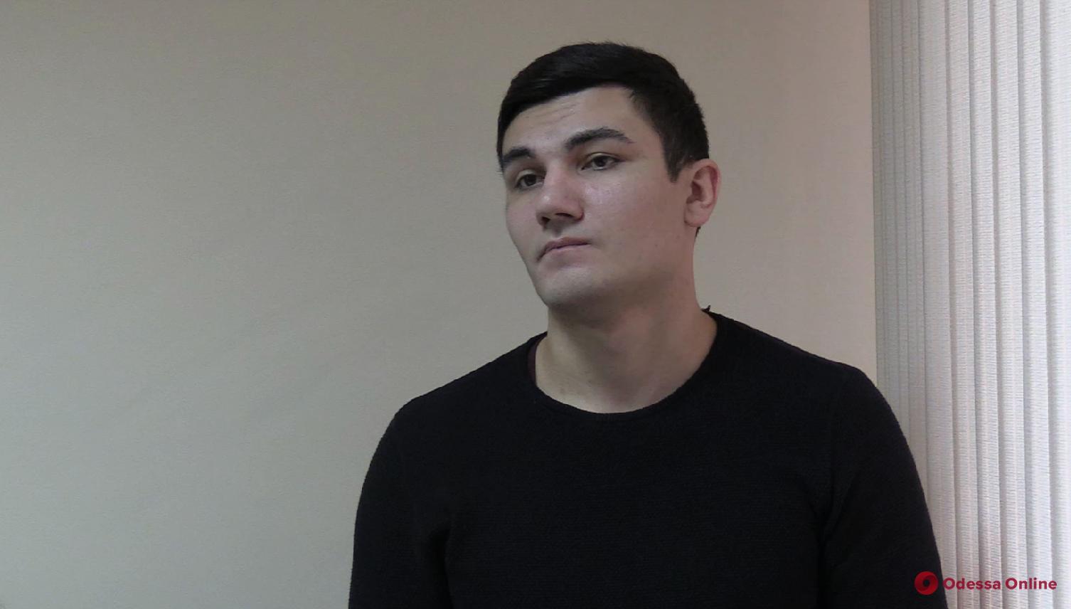 Одессита, который жестоко избил соседа в новогоднюю ночь, отпустили под личное обязательство