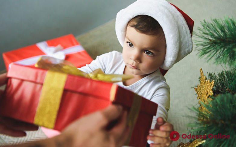 Одесские благотворители готовят рекордное количество подарков для детдомов по всей стране