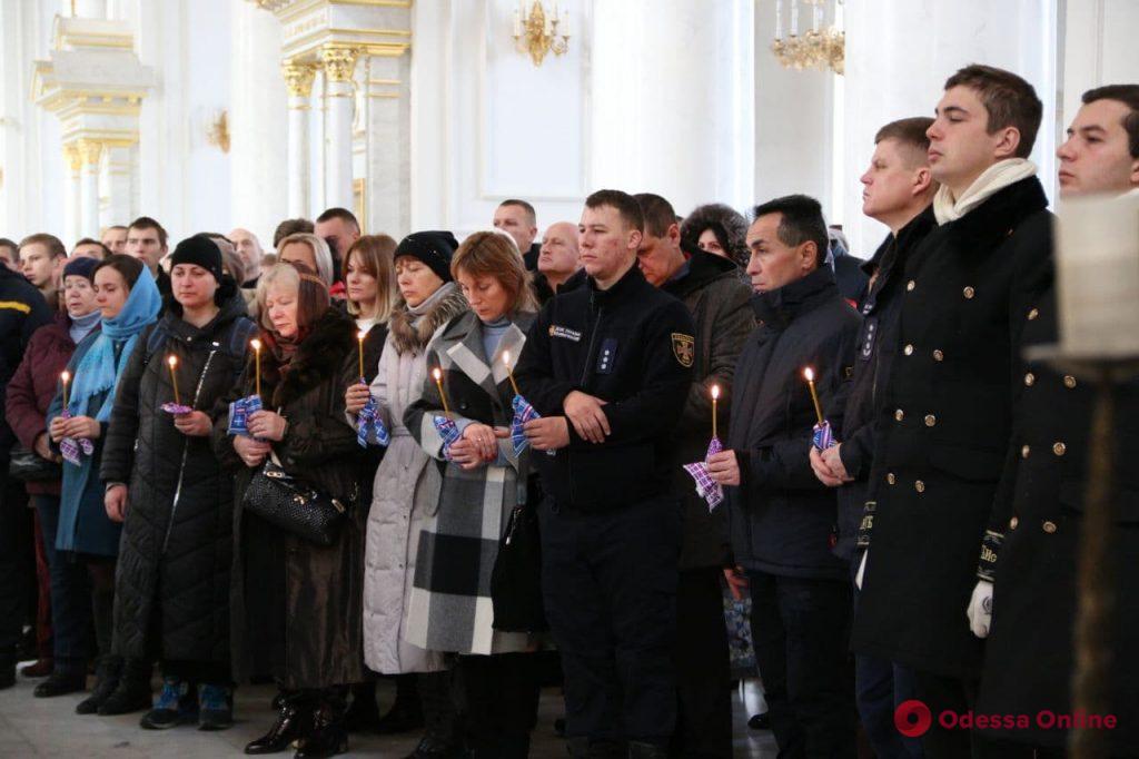В Спасо-Преображенском соборе прощаются с Сергеем Шатохиным (фото)