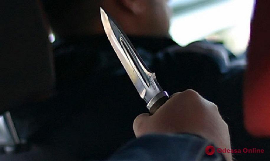На дороге в Одесской области разбойники заблокировали автомобиль и отобрали деньги у его хозяина