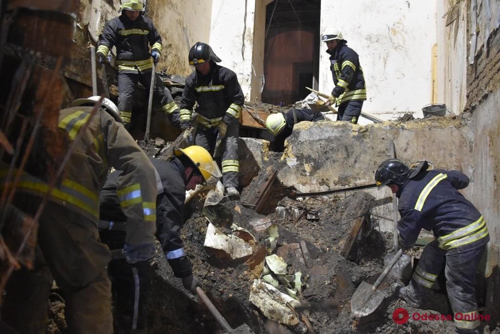 Кабмин выделит 4 миллиона на ликвидацию последствий пожара в Одессе