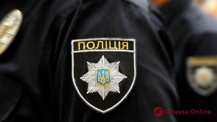 Под Одессой пьяный водитель избил полицейского за просьбу предъявить документы