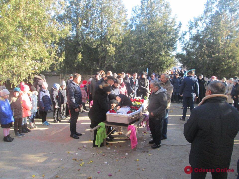 В Одесской области простились с 17-летней студенткой, погибшей во время пожара в колледже