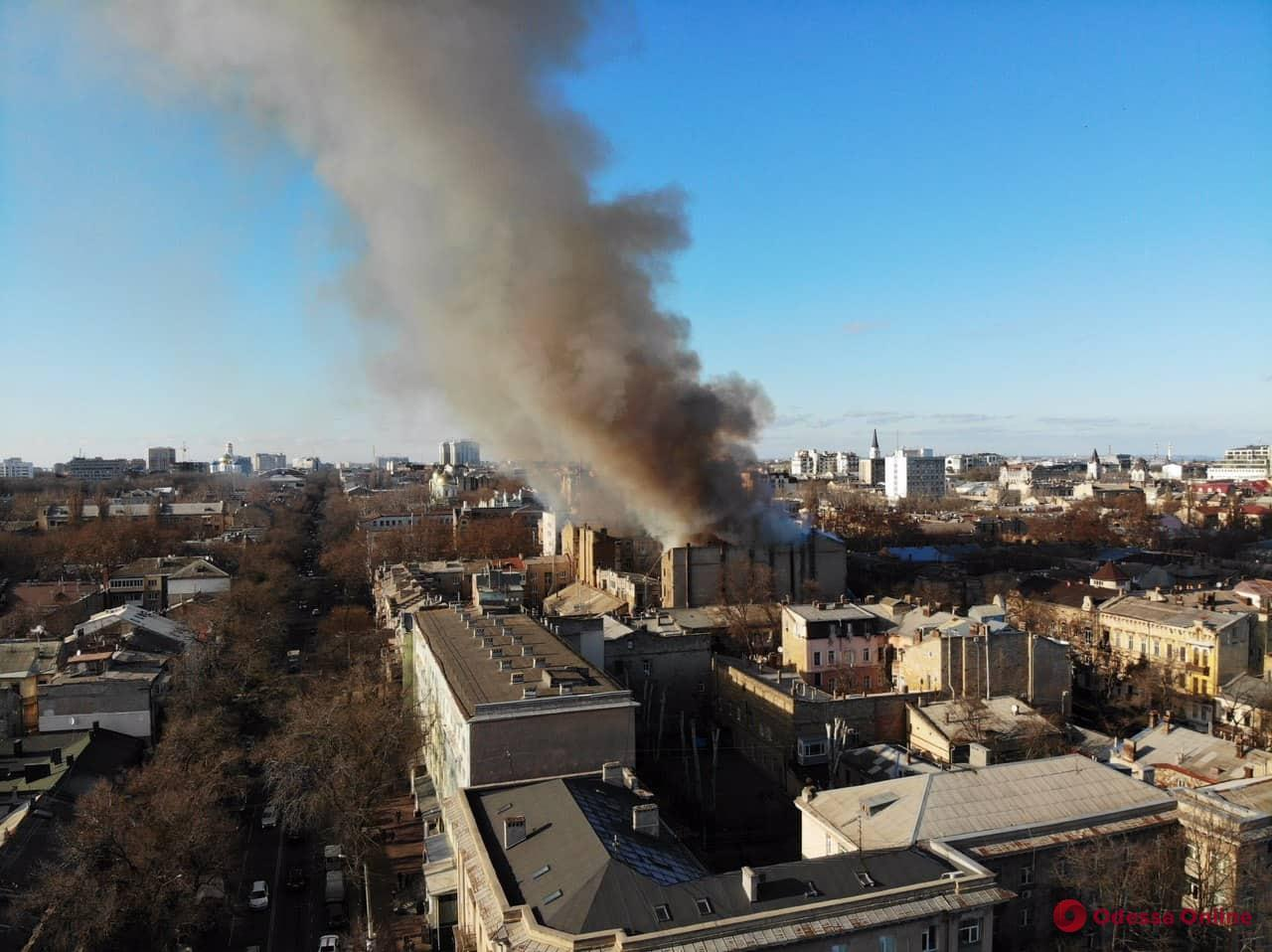 При пожаре на Троицкой пострадали 29 человек, 15 — в розыске