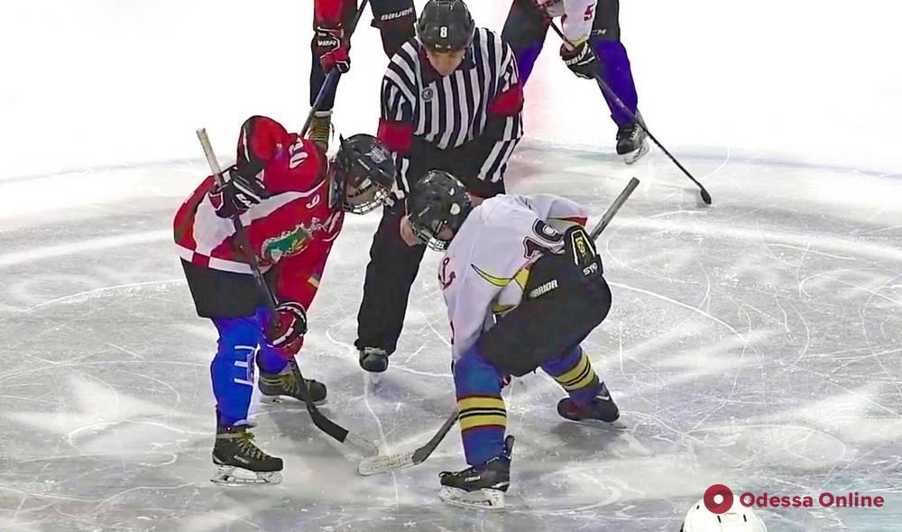 Одесские хоккеисты дважды победили в Кривом Роге
