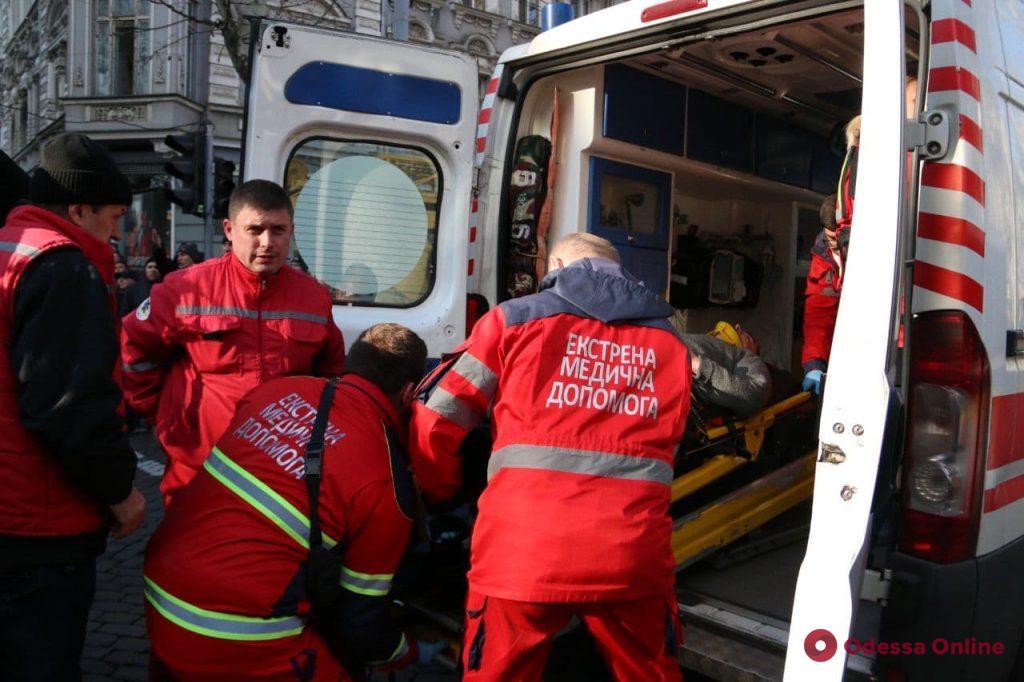 Пожар на Троицкой: в больницу доставили 11 человек (фото, видео, обновляется)