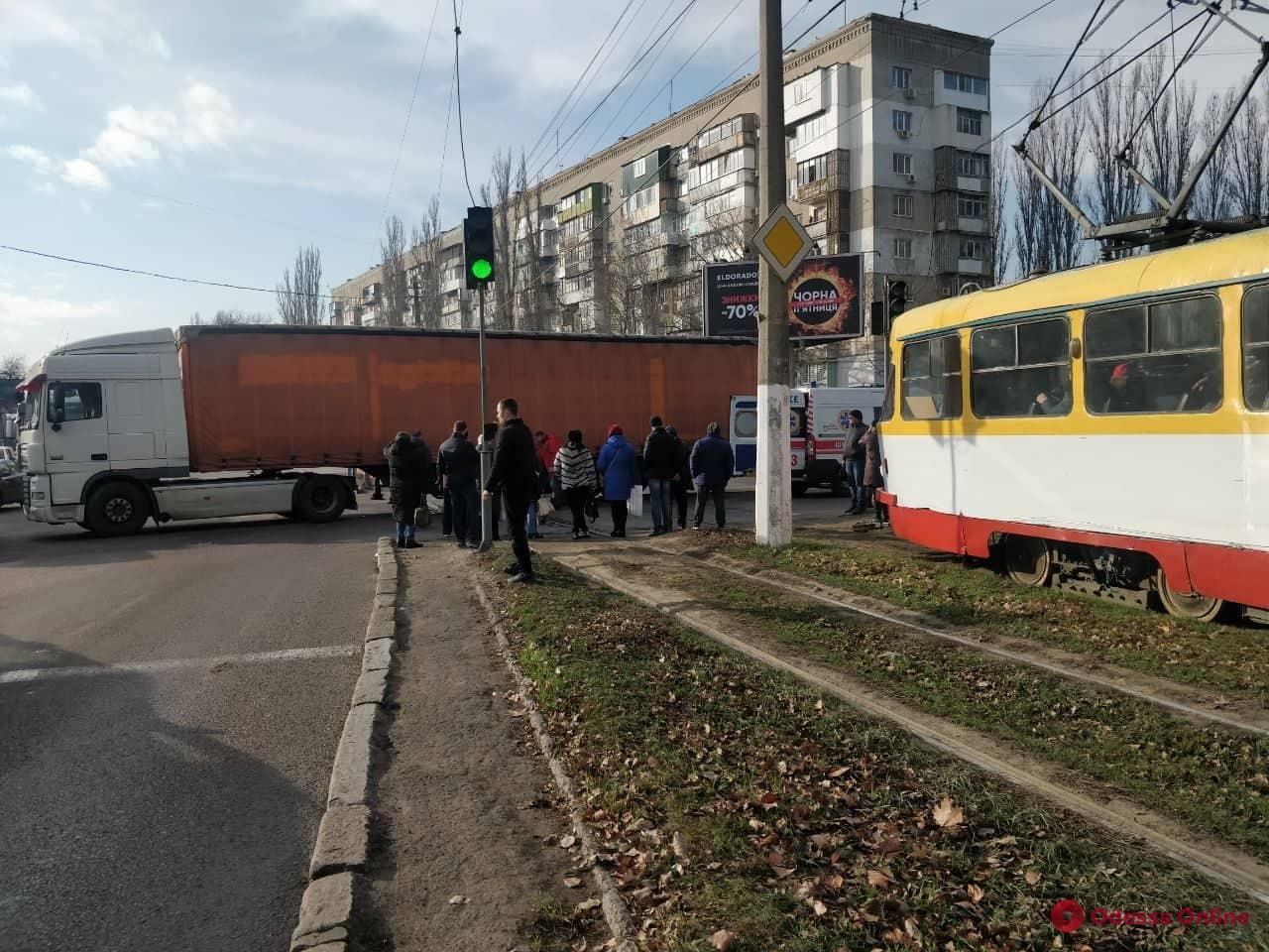 На поселке Котовского грузовик насмерть сбил пешехода (обновлено)