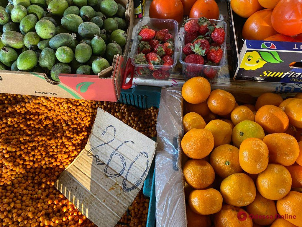 Мандарины, гранаты и авокадо: воскресные цены на одесском «Привозе»