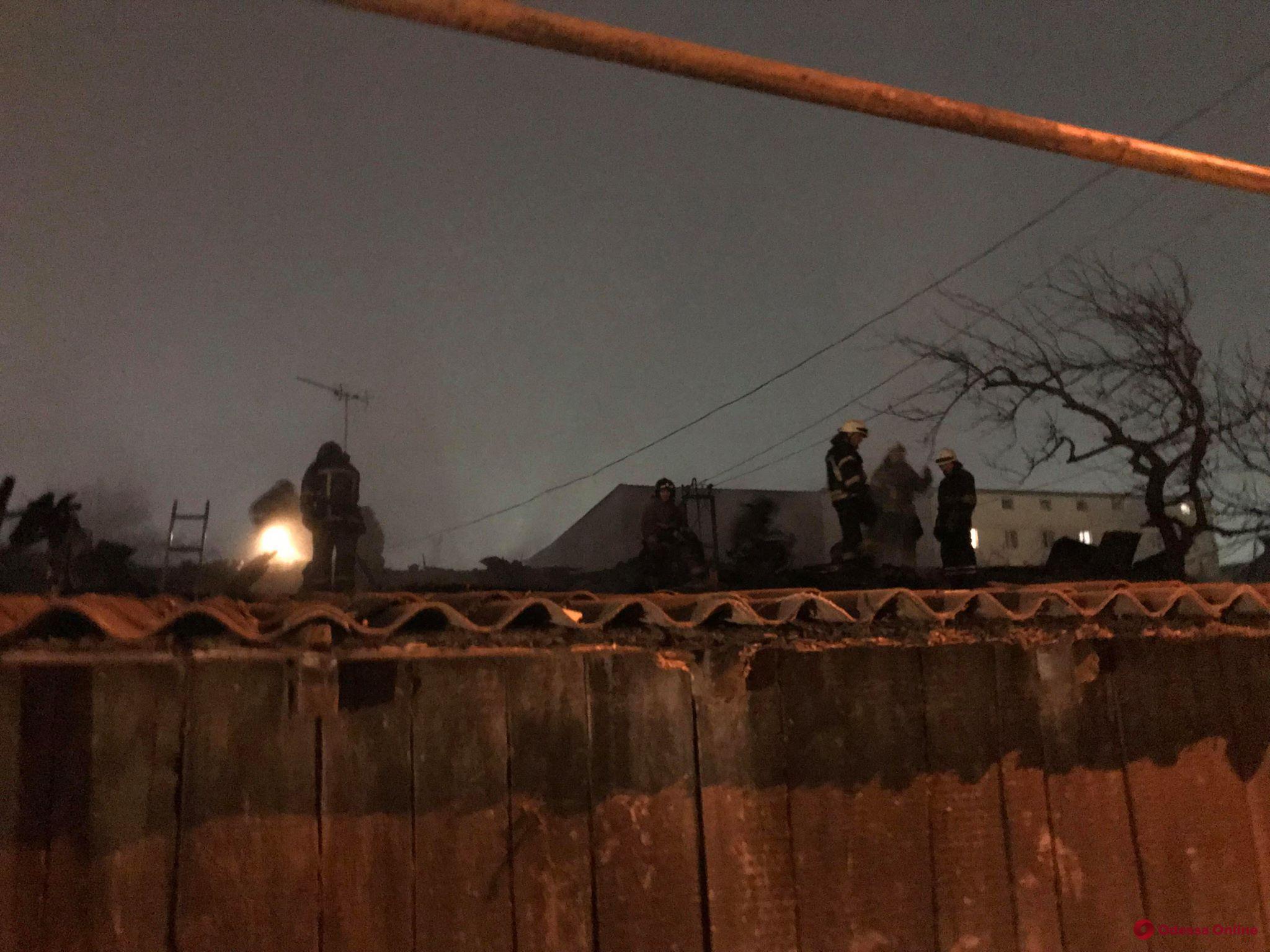 В районе 1-й Заставы сгорел гараж