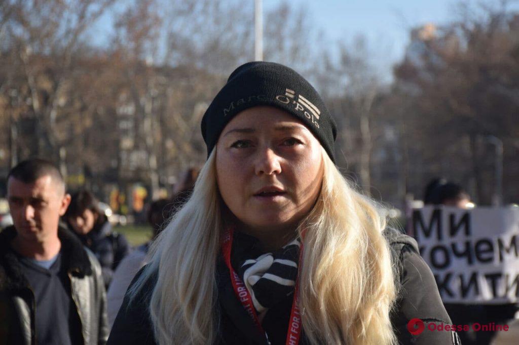Под стенами Одесской ОГА прошел митинг с требованием закупить препараты для ВИЧ-инфицированных