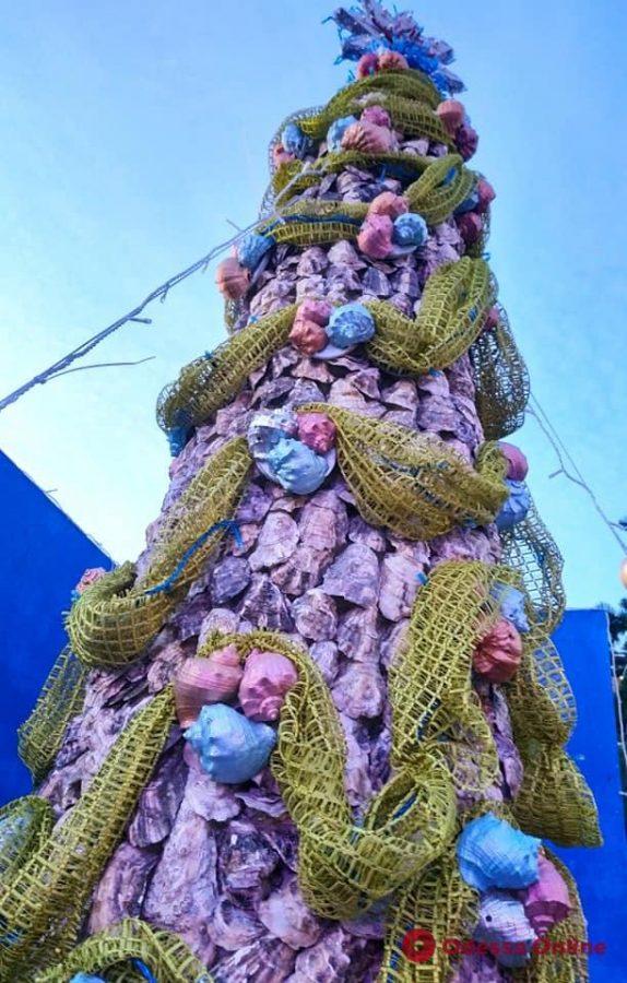 В Одесской области создали трехметровую «морскую» елку
