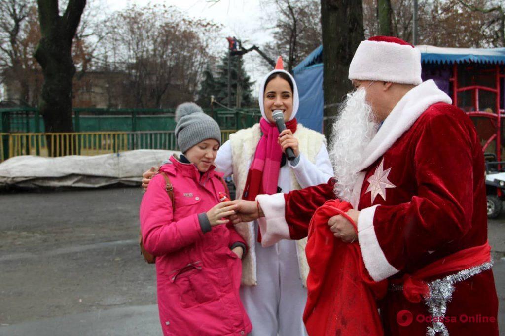 Снеговик, Дед Мороз и Снегурочка: в Одесском зоопарке прошли предновогодние празднования (фото)