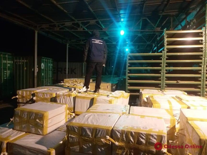 В Одесской области в контейнере из Турции нашли 27 тонн контрафактного табака