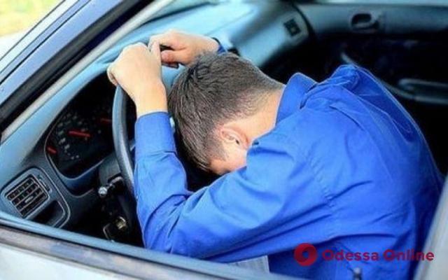 В Одессе доверчивый таксист отдал ключи от машины угонщику