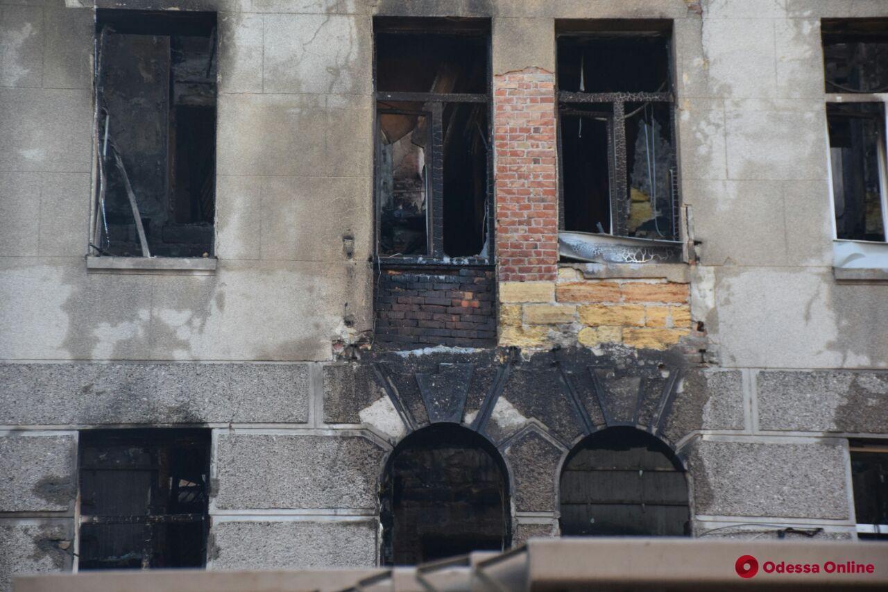 Пожар на Троицкой: найдены тела еще трех жертв