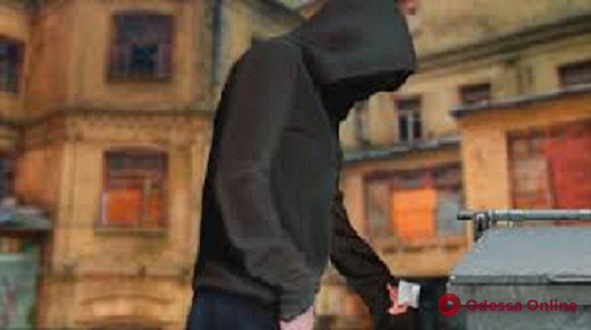 На поселке Котовского поймали закладчика «за работой»