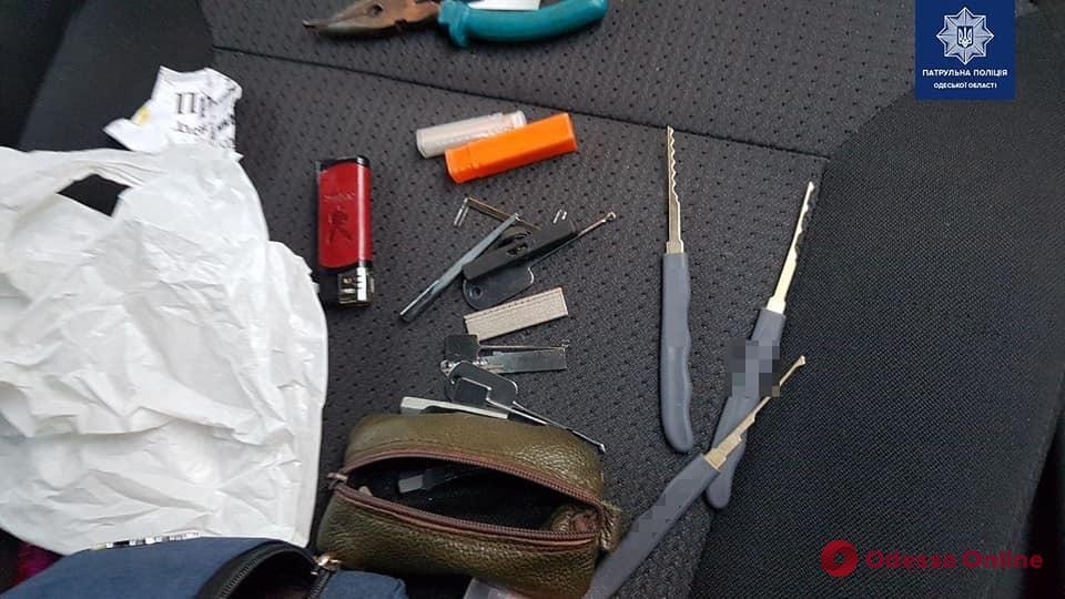Одесские патрульные задержали банду квартирных воров