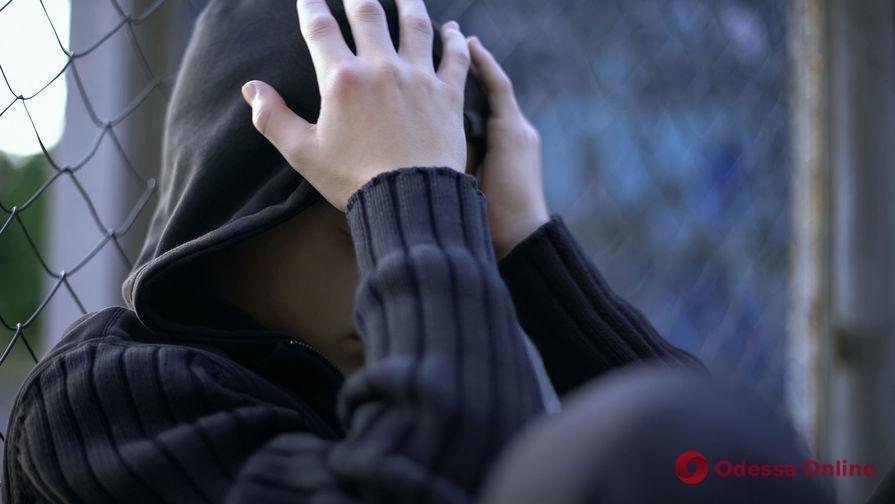В Одесской области двое лицеистов избивали 11-летнего мальчика и снимали это на видео