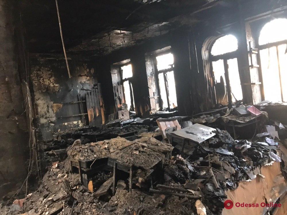 В Одессе опознали еще одну жертву пожара на Троицкой