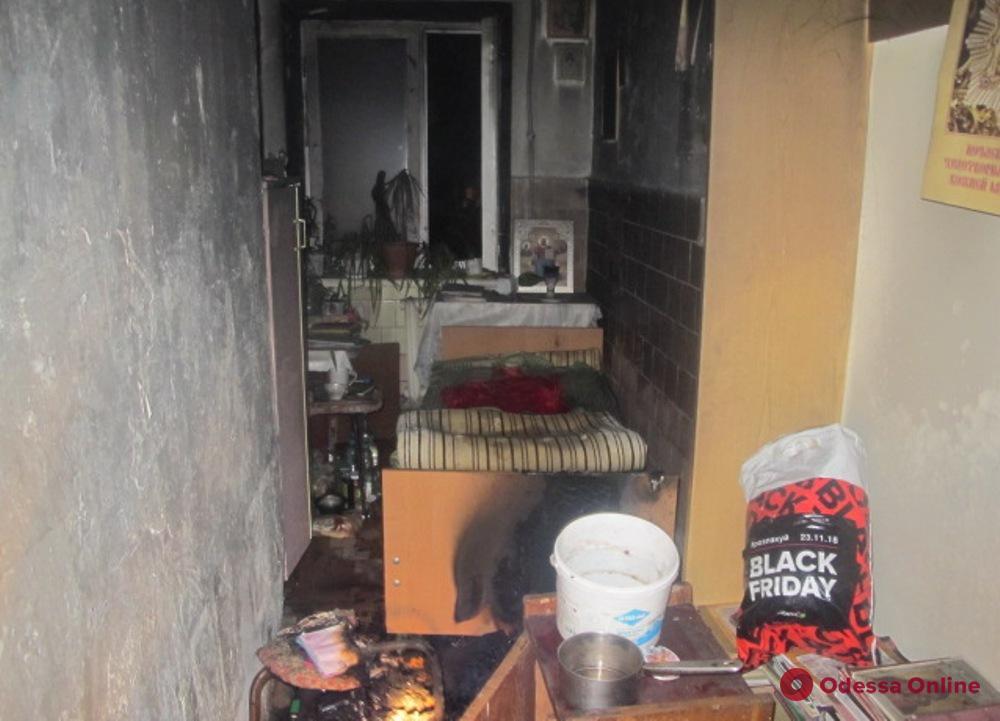 В студенческом общежитии на Довженко произошло возгорание из-за мобильного телефона