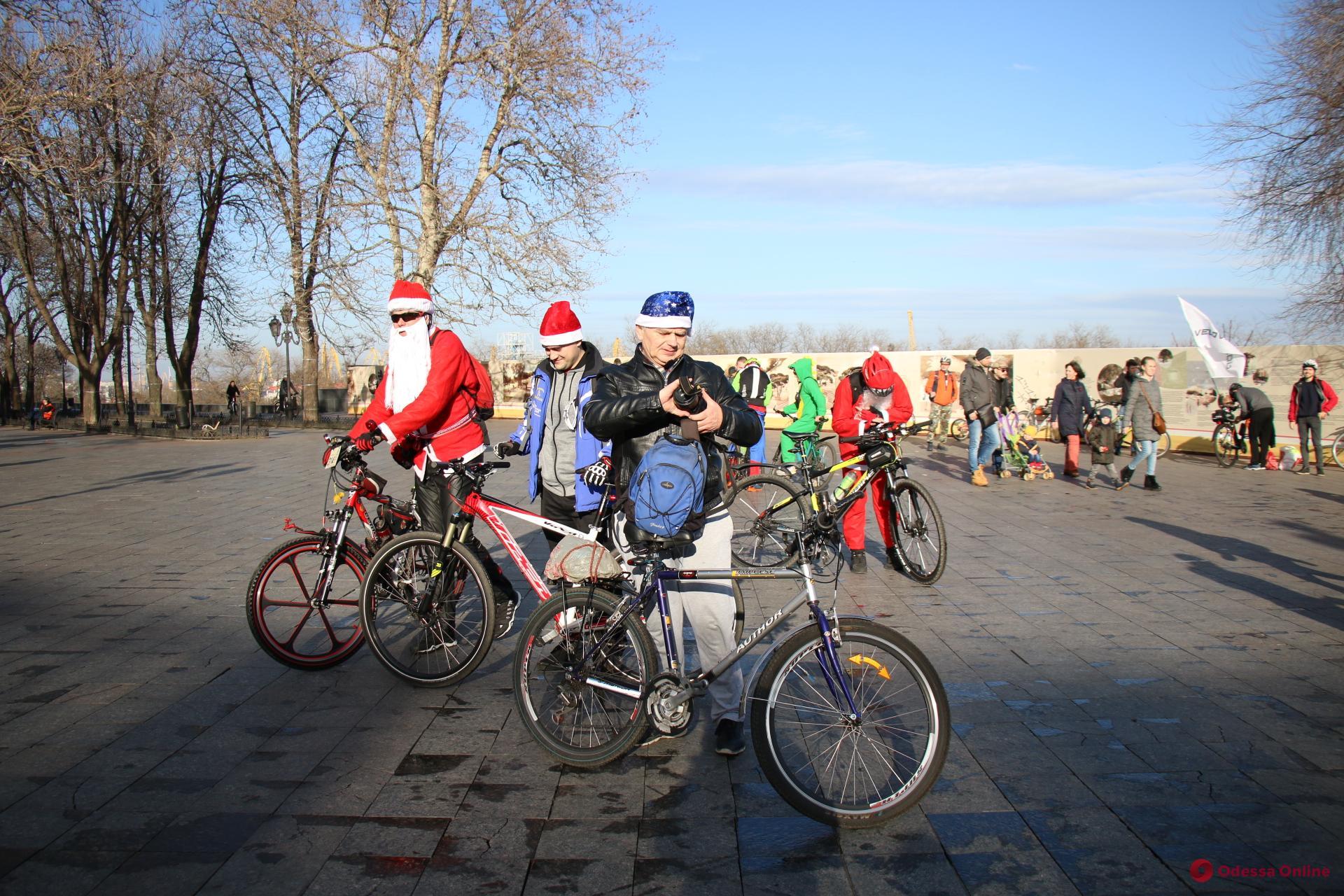 В Одессе прошел новогодний велопробег