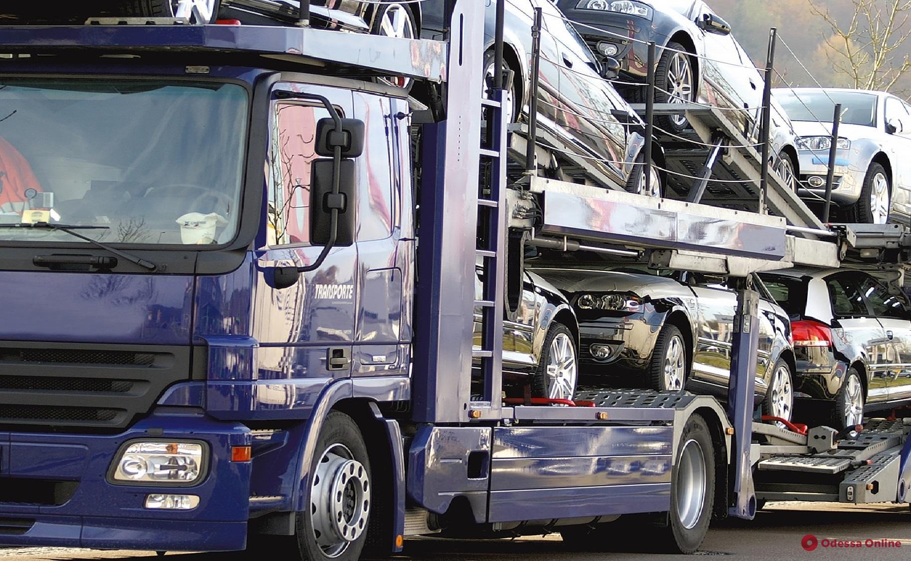 В Одесской области экспедитор частной фирмы угнал семь Mitsubishi Outlander