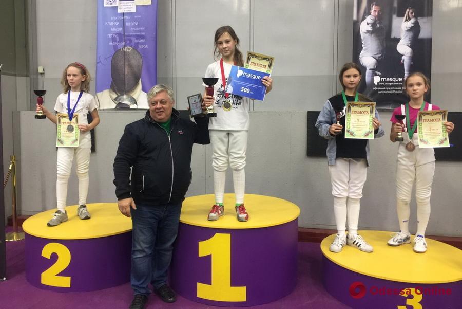 Фехтование: десятилетняя одесситка выиграла 116 поединков подряд