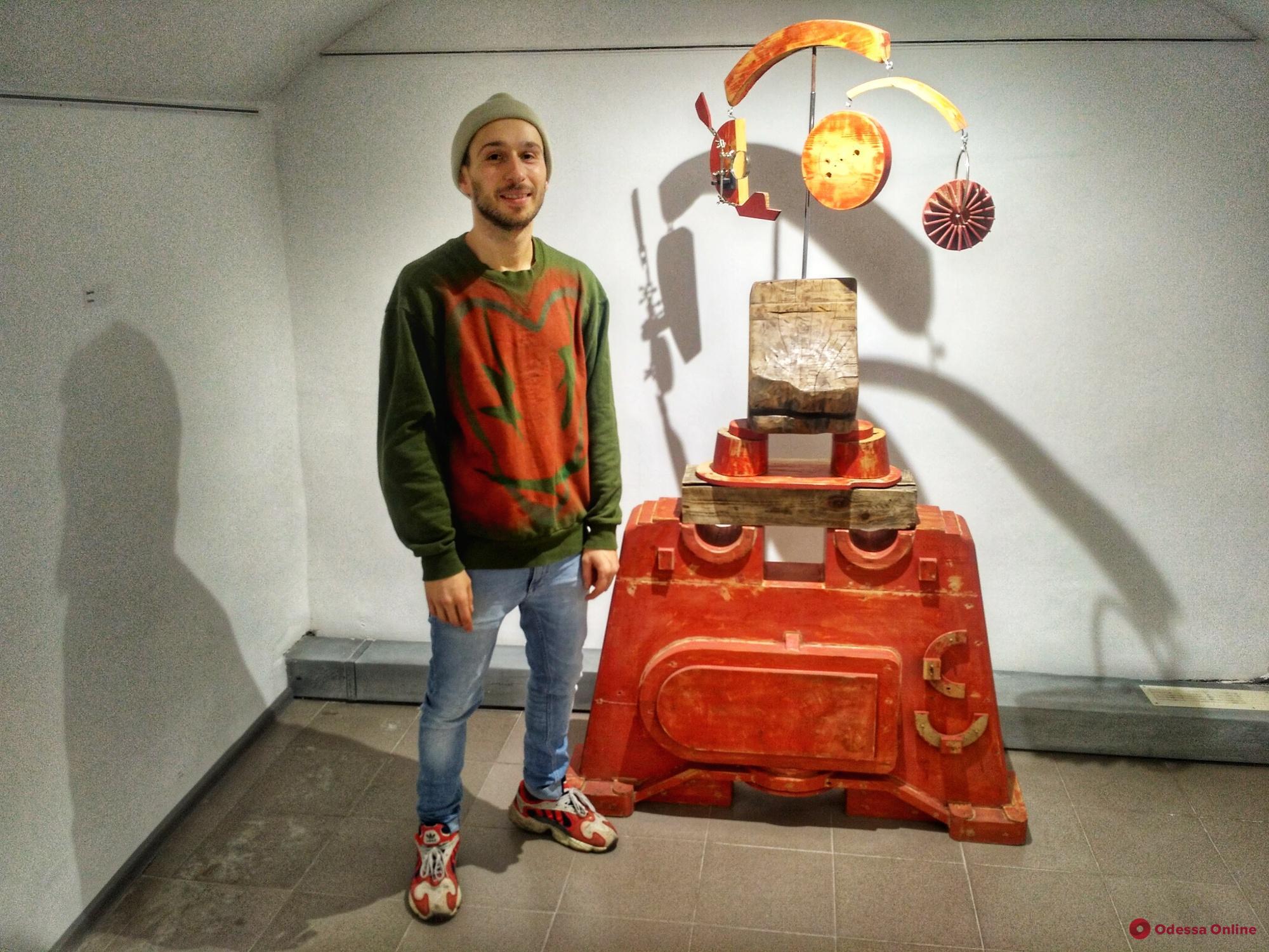 В Одессе остатки судоремонтного завода превратили в произведения искусства (фоторепортаж)