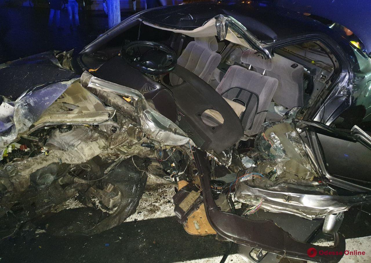 В Измаиле Toyota врезалась в столб – серьезно пострадал водитель