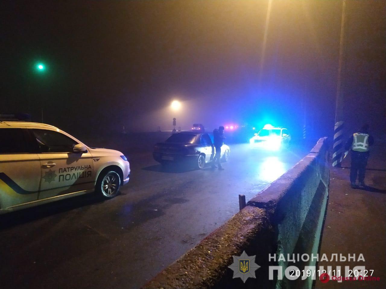 Защищала родственника: под Киевом жительница Одесской области ударила ногой в голову патрульного