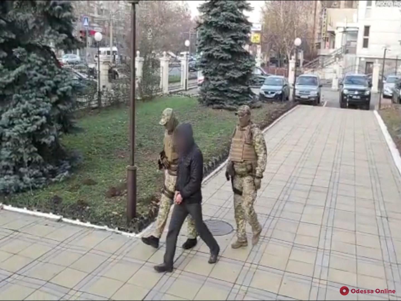 Одессит организовал канал нелегальной миграции турков в Украину