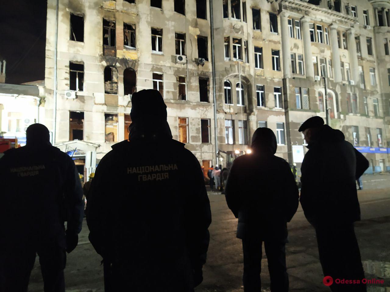 Поисковые работы на Троицкой в Одессе продолжаются (фоторепортаж)