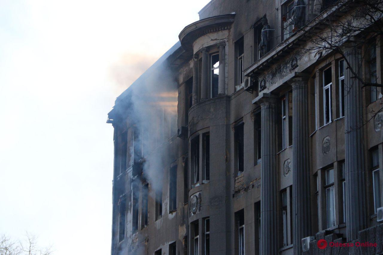 Четверо пострадавших при пожаре в одесском колледже находятся в тяжелом состоянии