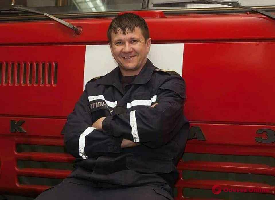 Пожар на Троицкой: в одесской больнице скончался спасатель