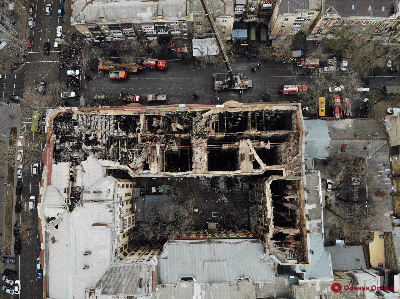 Ночью в сгоревшем доме на Троицкой нашли еще два тела