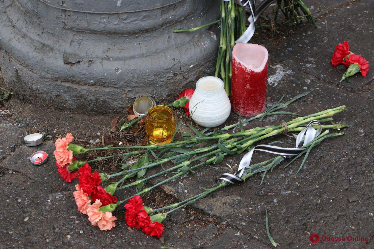 В Одессе опознали еще пятерых погибших во время пожара на Троицкой