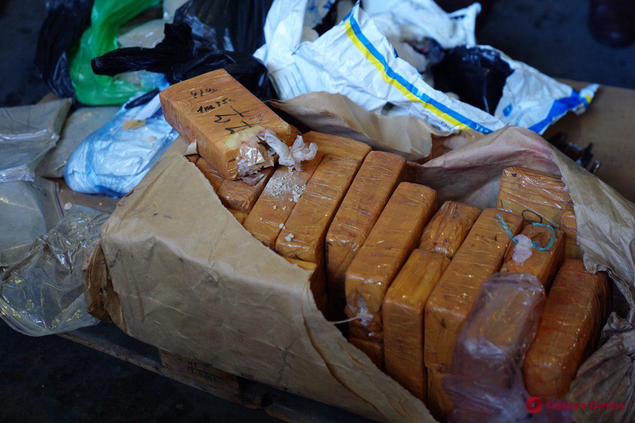 В Одессе сожгли наркотиков на 100 миллионов долларов (фото, видео)