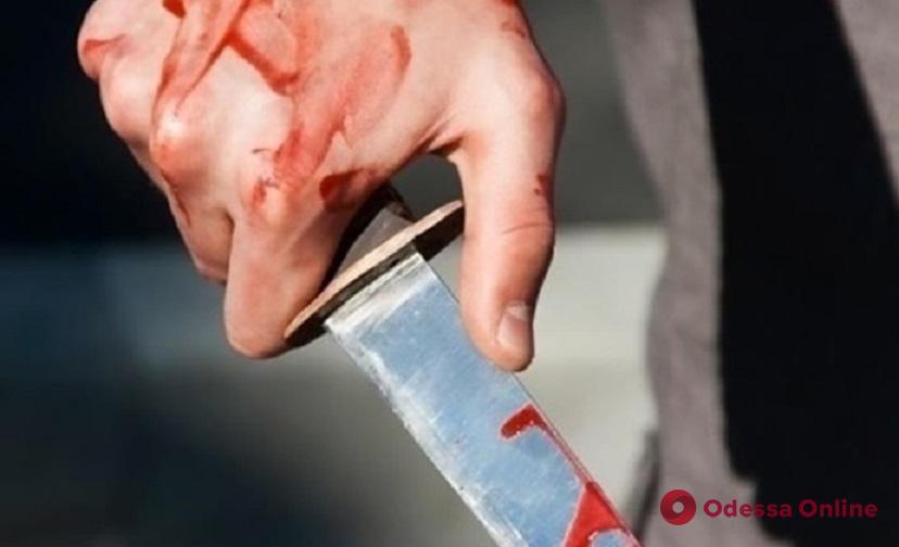 Был в плохом настроении: в центре Одессы пьяный гость города ударил ножом прохожего