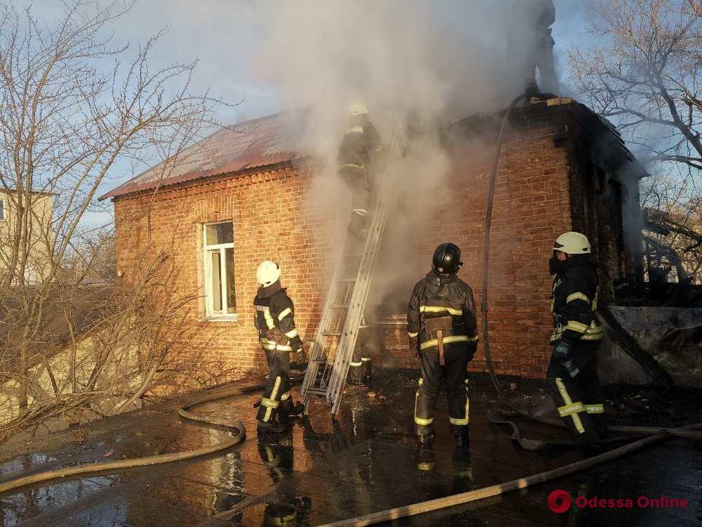Пожар в частном доме на 16-й Фонтана унес жизнь мужчины