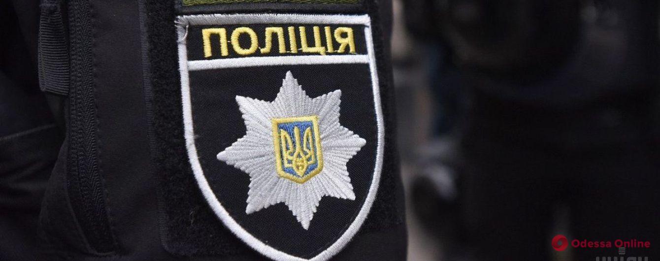 В Одессе на улице Сегедской нашли труп мужчины. (Видео 18+)