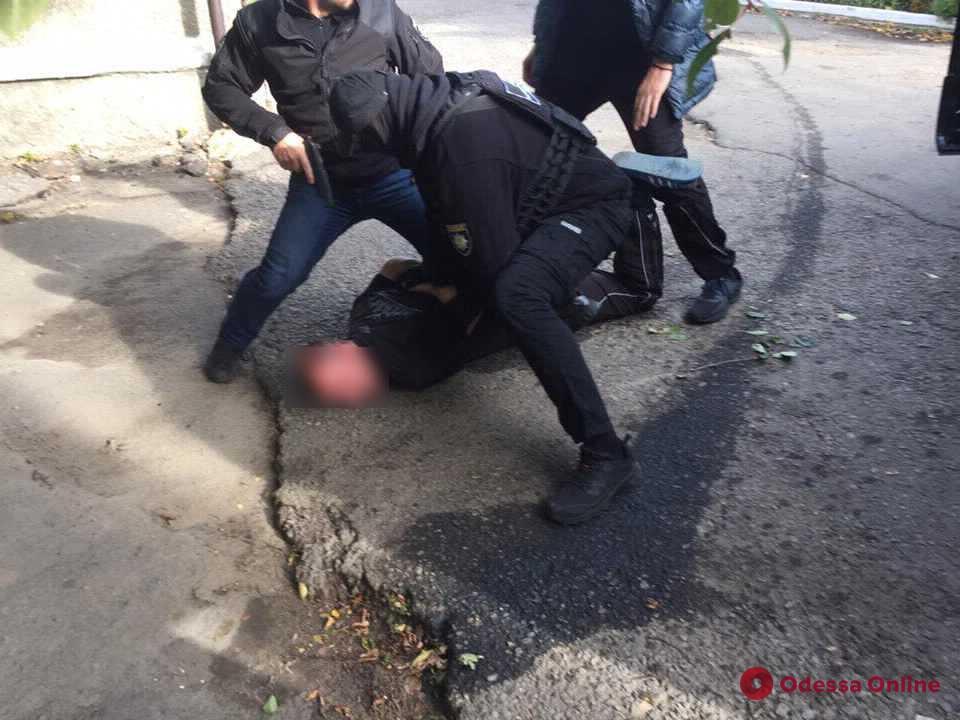 Жителя Одесской области будут судить за взятку полицейскому