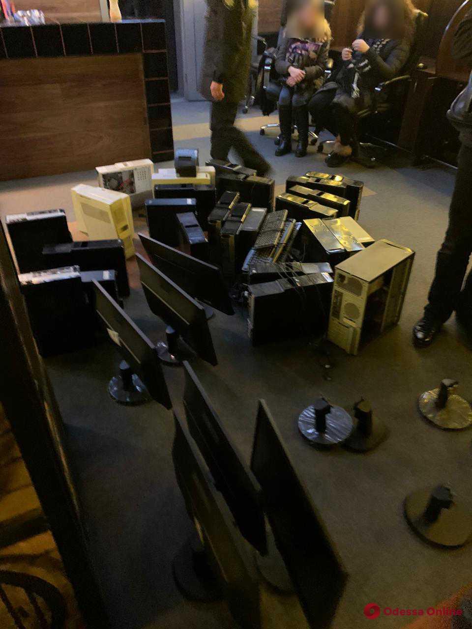 В Одессе и области «накрыли» еще два подпольных казино