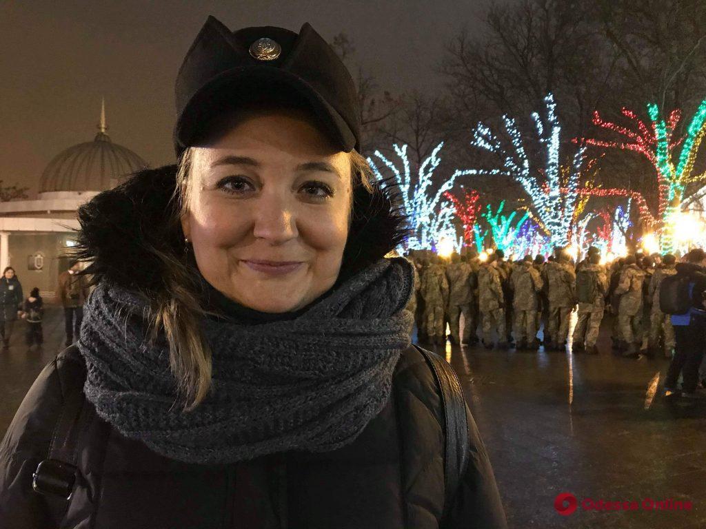 Одесские курсанты провели флешмоб в память о героях Крут